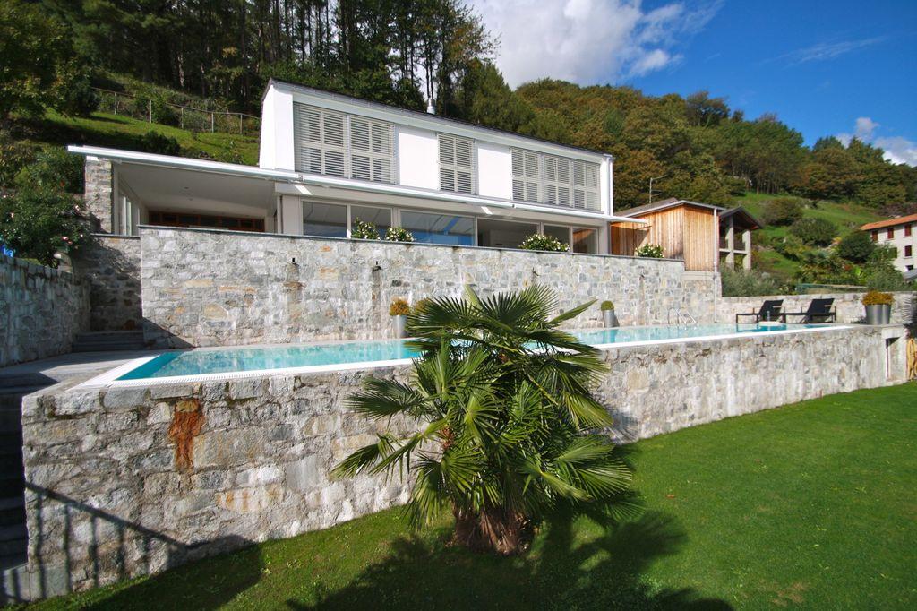 Comer see cremia moderne luxus villa mit seeblick for Ville moderne con piscina