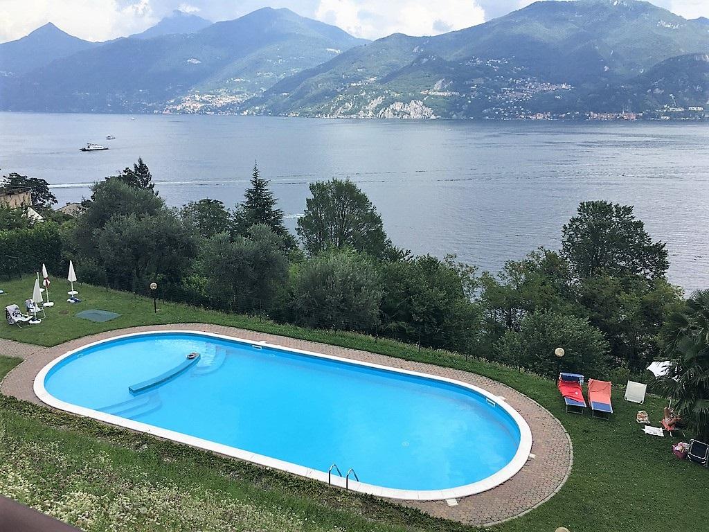 menaggio wohnung mit schwimmbad garten terrasse und seeblick. Black Bedroom Furniture Sets. Home Design Ideas