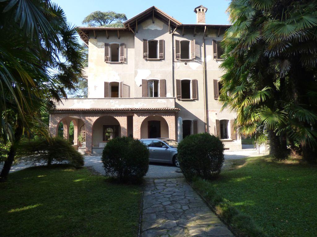 Comer see lierna luxus villa mit garten immobilien comer see - Ville con giardino foto ...