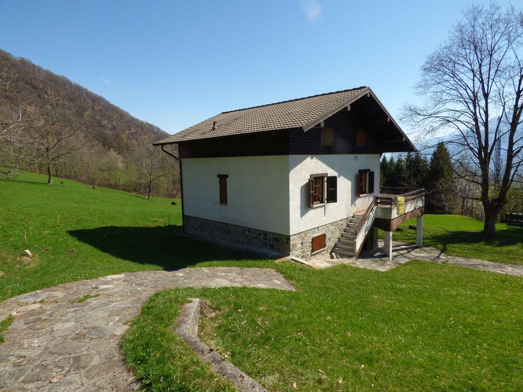 Comer See Gravedona ed Uniti Hügelig Haus Mit Land