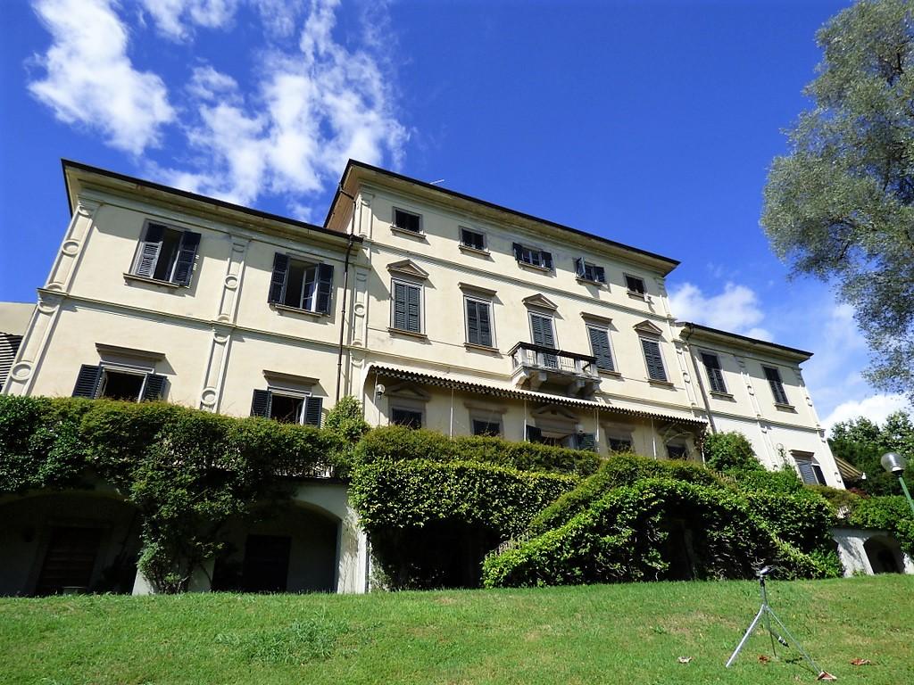 Comer See Tremezzo Wohnung vor See Zeitraum Villa mit Park