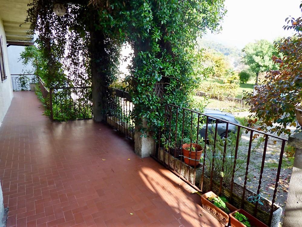 Comer See Lenno Wohnung Auf Zwei Ebenen Mit Terrasse Und Garten
