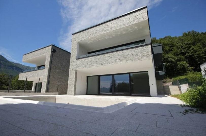 Comer see menaggio moderne villa mit schwimmbad - Villa moderna con piscina ...