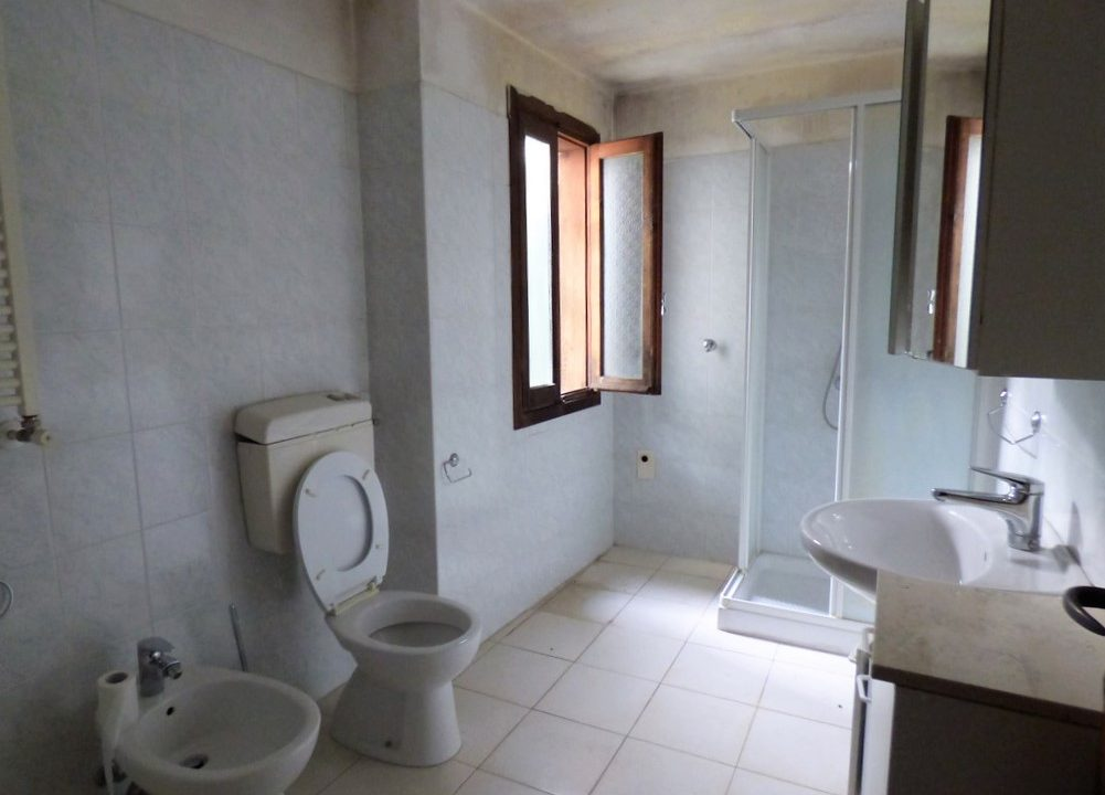 Bad - Wohnung Menaggio mit Terrasse und seeblick