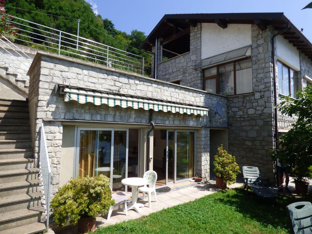 Comer See Gera Lario Wohnung Direkt am See mit terrasse