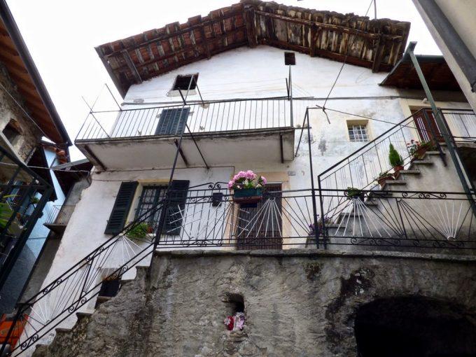 Domaso Hügelig Haus mit Seeblick kellar