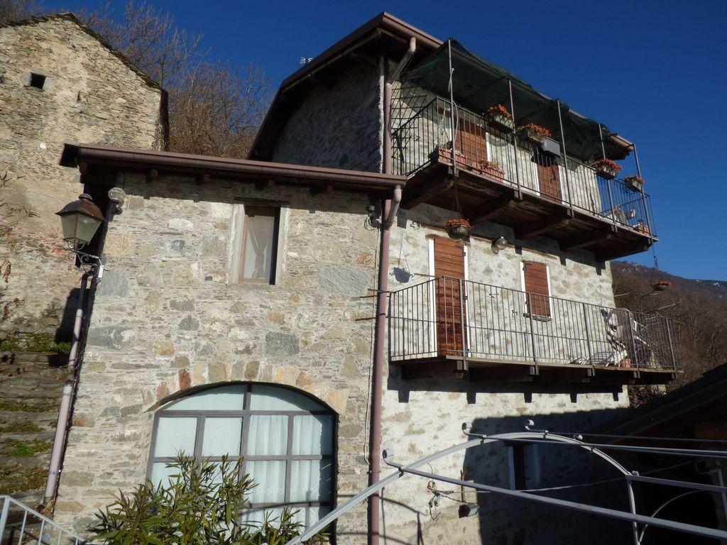 Comer See Gera Lario Hügelig Haus mit Seeblick
