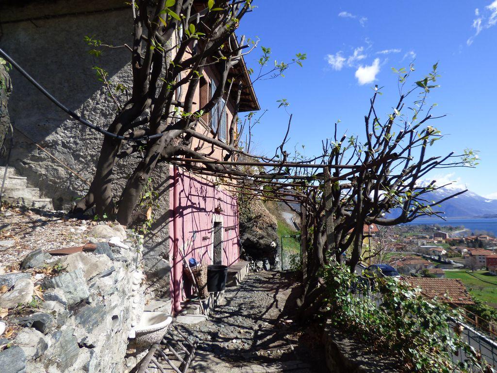 Comer See Dongo Haus mit Seeblick