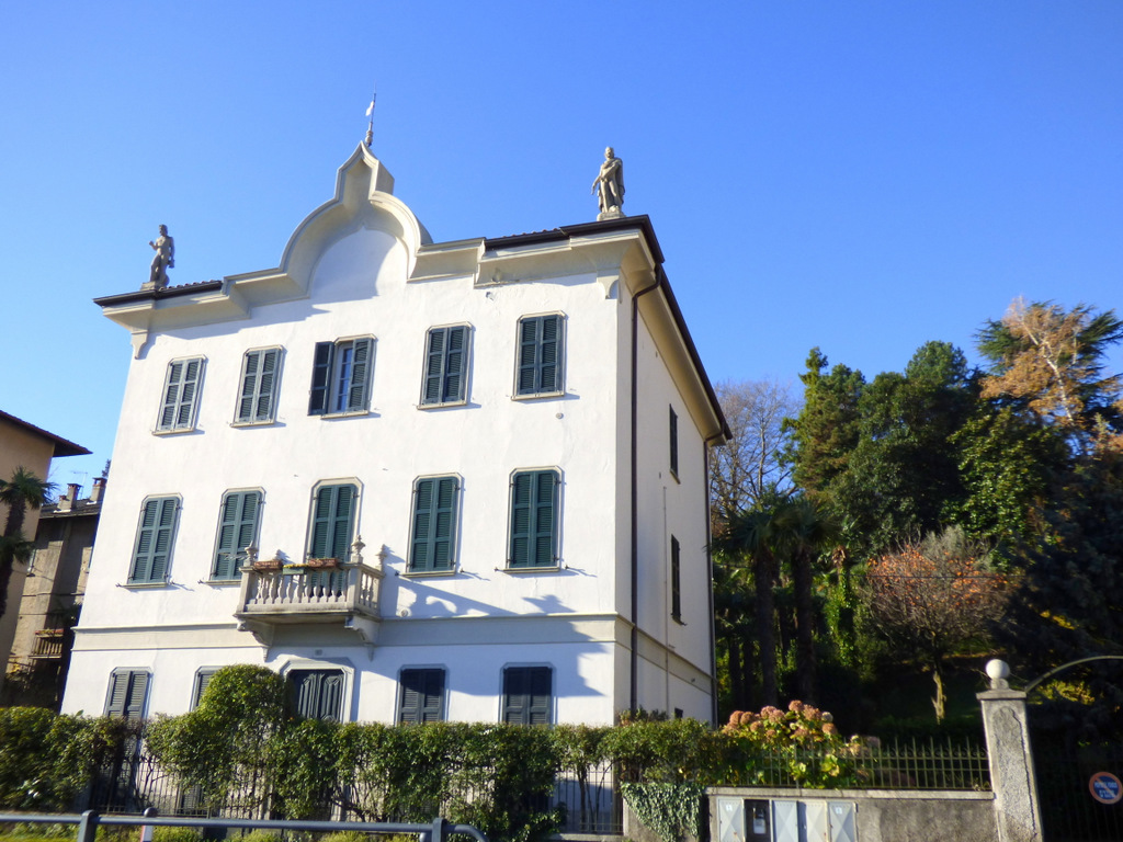 Comer See Griante Front See Wohnung in antiker Villa