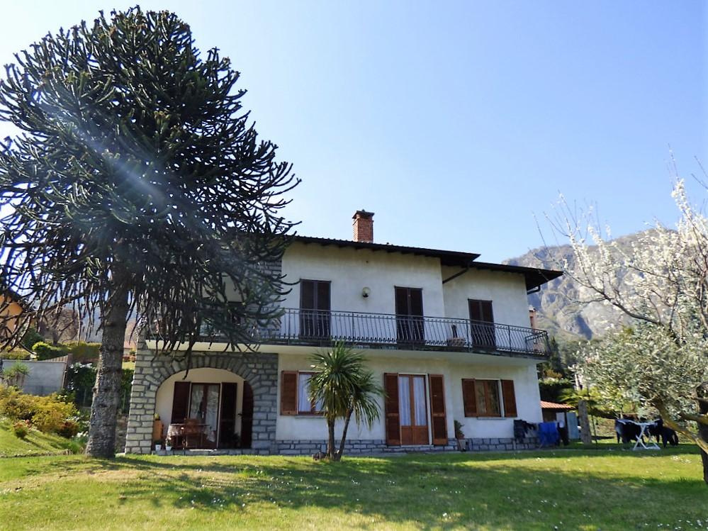 Comer See Griante Wohnung mit Terrasse und Seeblick