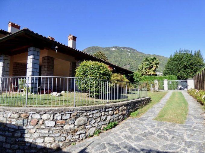 Comer See Gravedona ed Uniti Villa mit Garten grosse garage