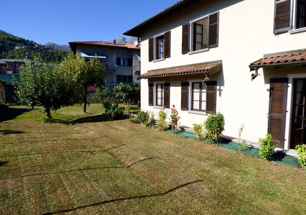 Comer See Gravedona ed Uniti Villa mit Garten