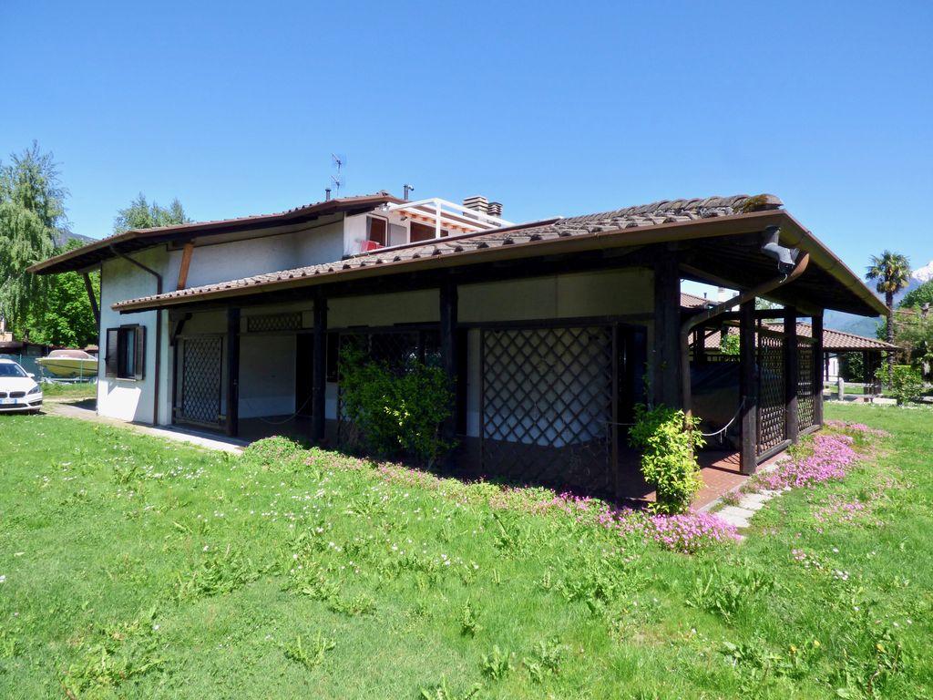 Comer See Domaso Wohnung mit Veranda und Zugang zum See