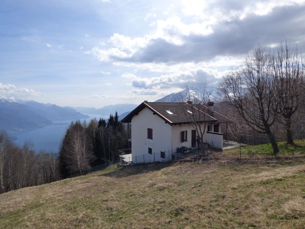 Comer See Gravedona und Uniti Hügelig Haus mit Seeblick