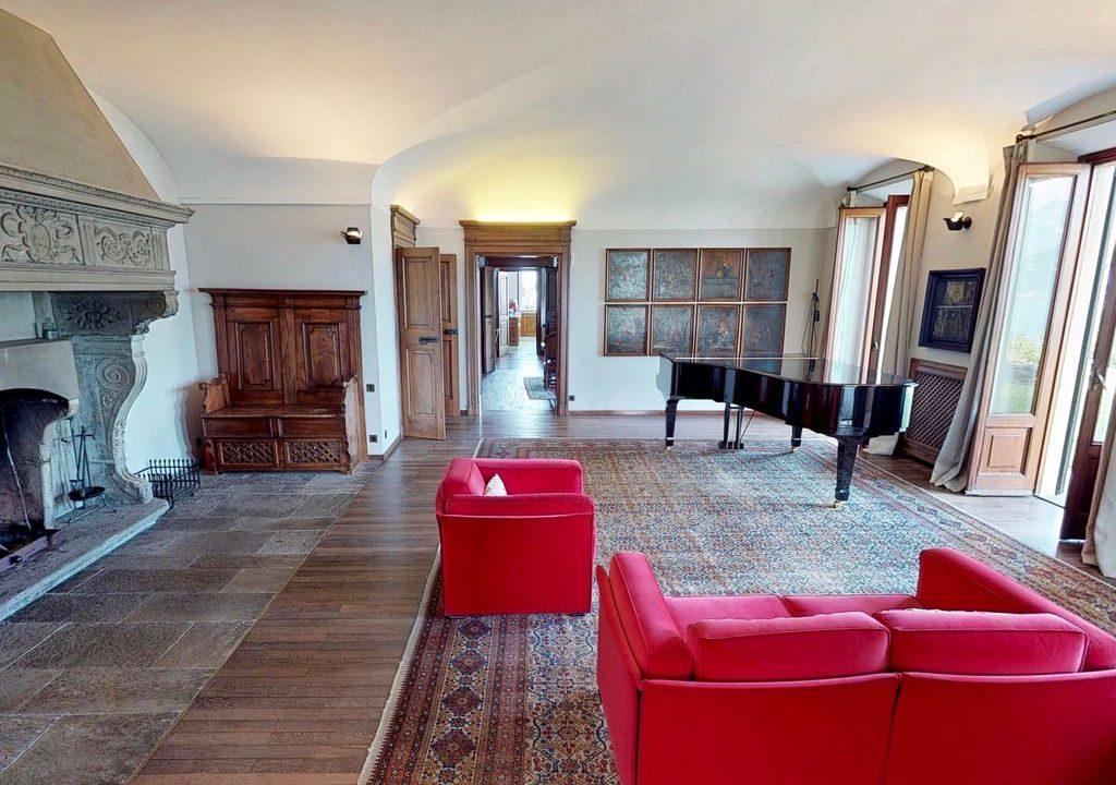 Comer See Luxus Villa mit Park Mandello del Lario  -