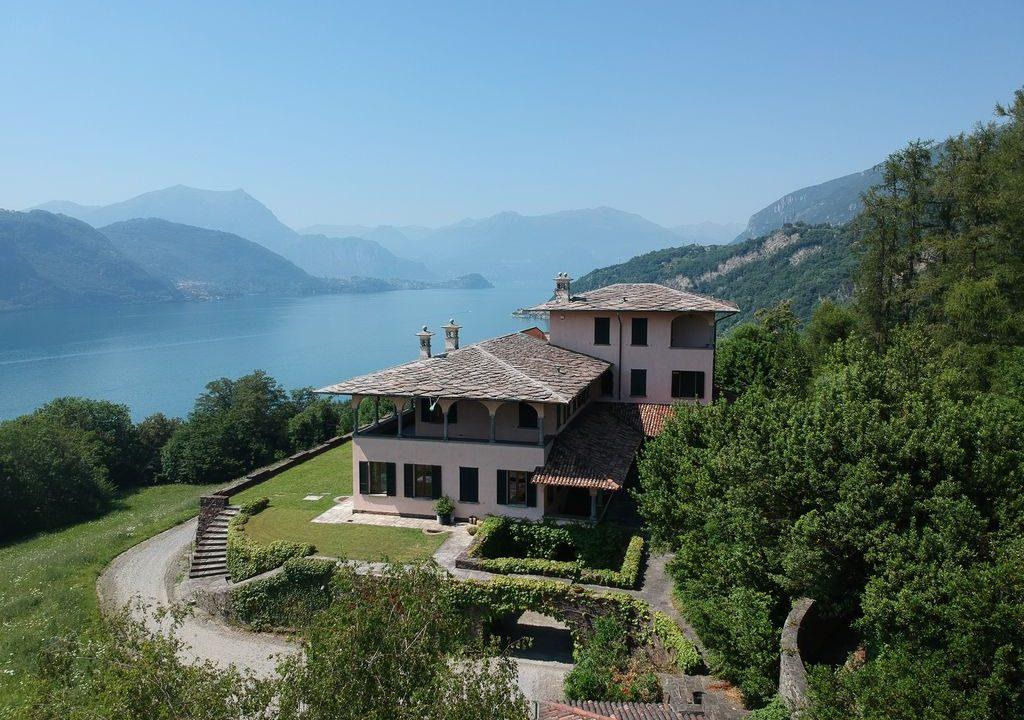 Comer See Luxus Villa mit Park Mandello del Lario