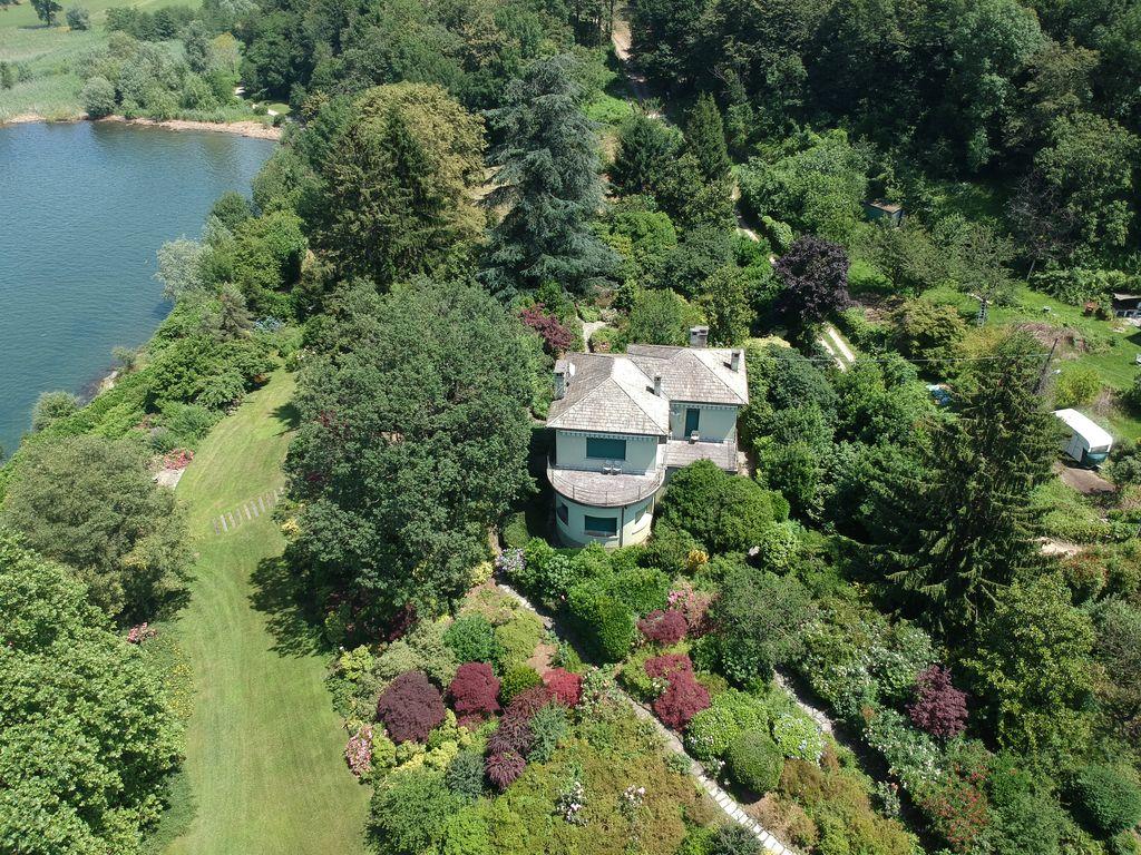 Comer See Colico Luxus Villa mit Bootshaus