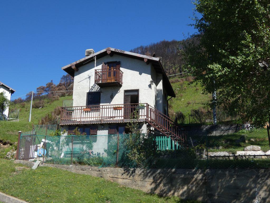 Comer See Sorico Hügelig Haus mit Seeblick