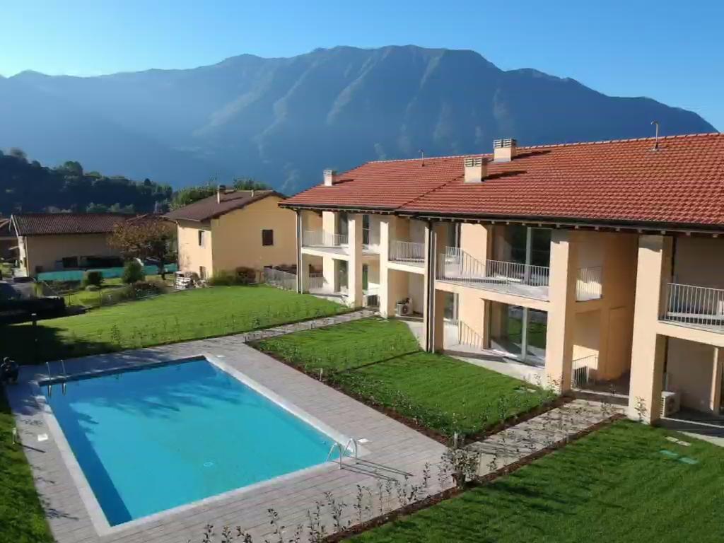 Comer See Tremezzina Wohnungen mit Schwimmbad