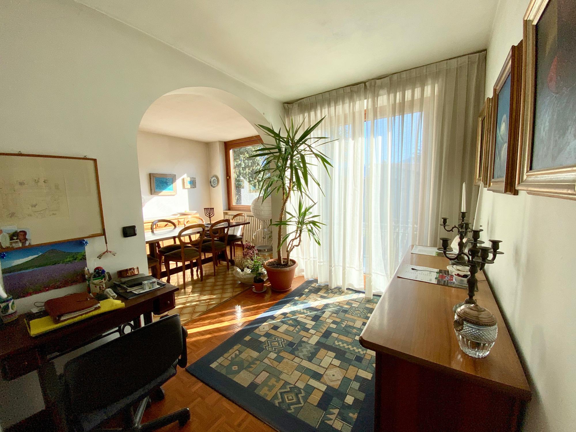 Wohnung Gera Kaufen : comer see gera lario wohnung mit terrasse und seeblick ~ Watch28wear.com Haus und Dekorationen