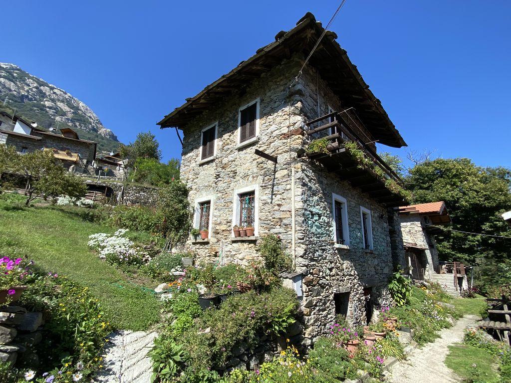 Comer See Sorico Stein Haus mit Seeblick