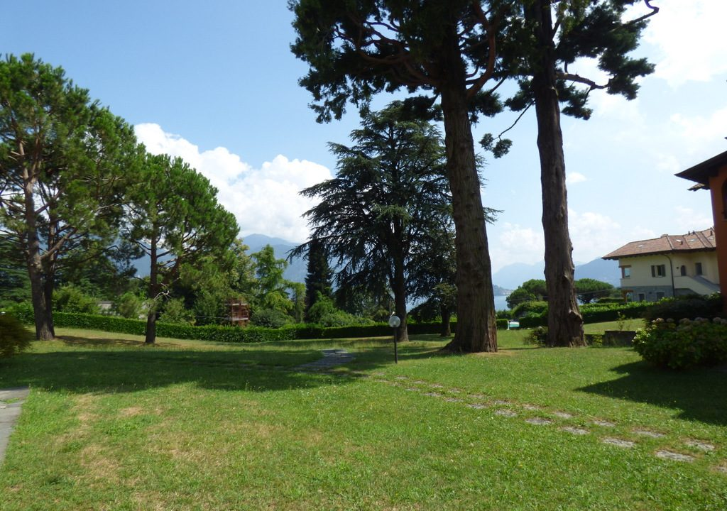 MA033A Lago Como Menaggio Loveno (18)