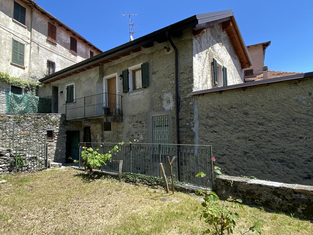 Comer See Plesio Renoviert Haus mit Balkon