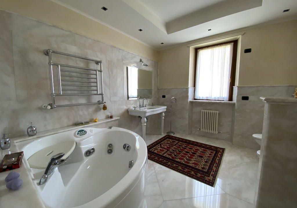 Comer See Domaso Villa mit Schwimmbad und Seeblick - bad