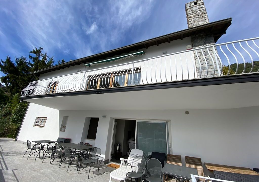 Comer See Argegno Villa mit Seeblick - sonnig