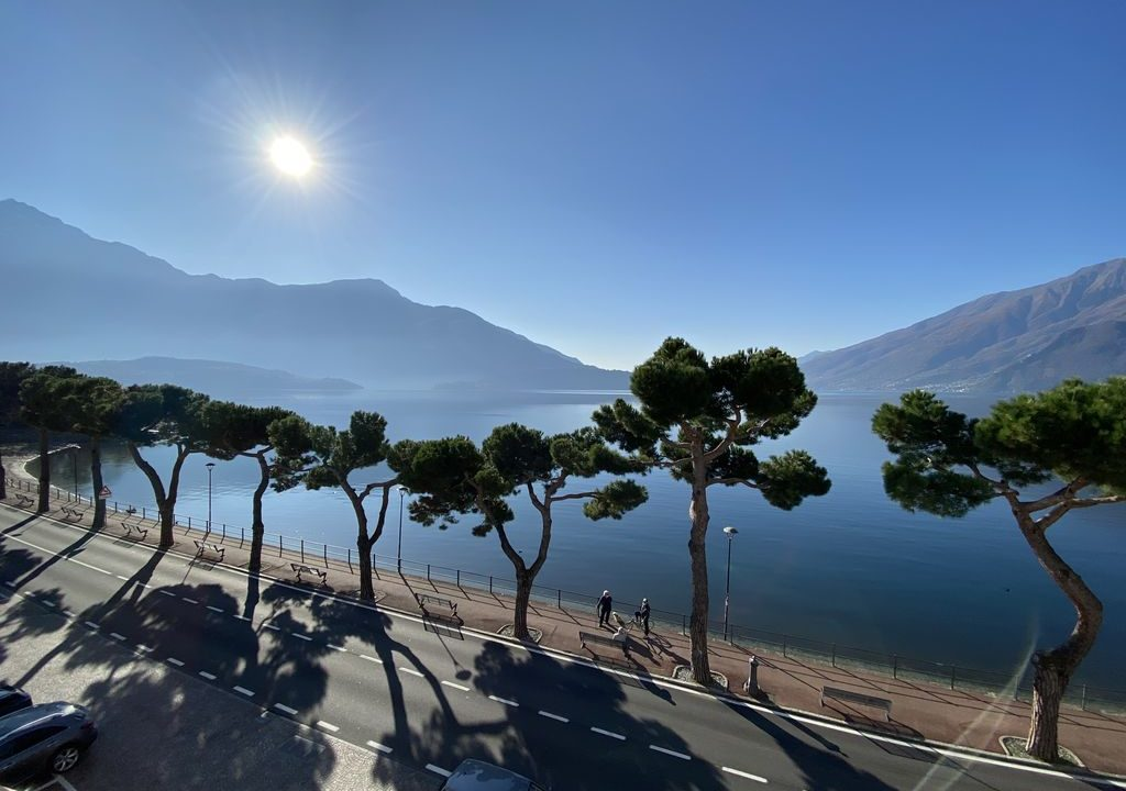 Comer See Domaso Immobilien an der Seepromenade - sonnig lage
