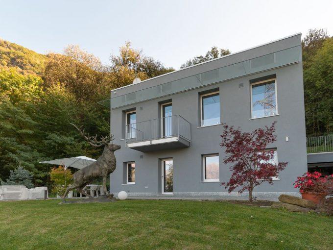Comer See Moderne Villa Colico mit Garten