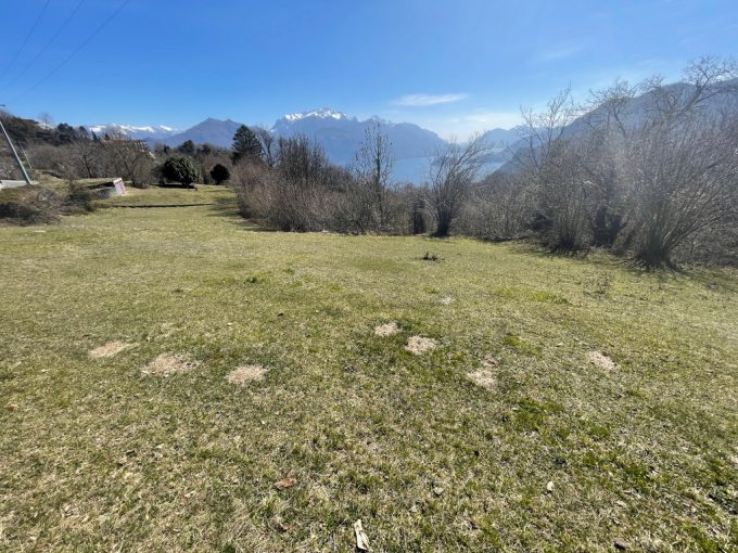 Baugrundstück in Plesio Ortschaft Barna