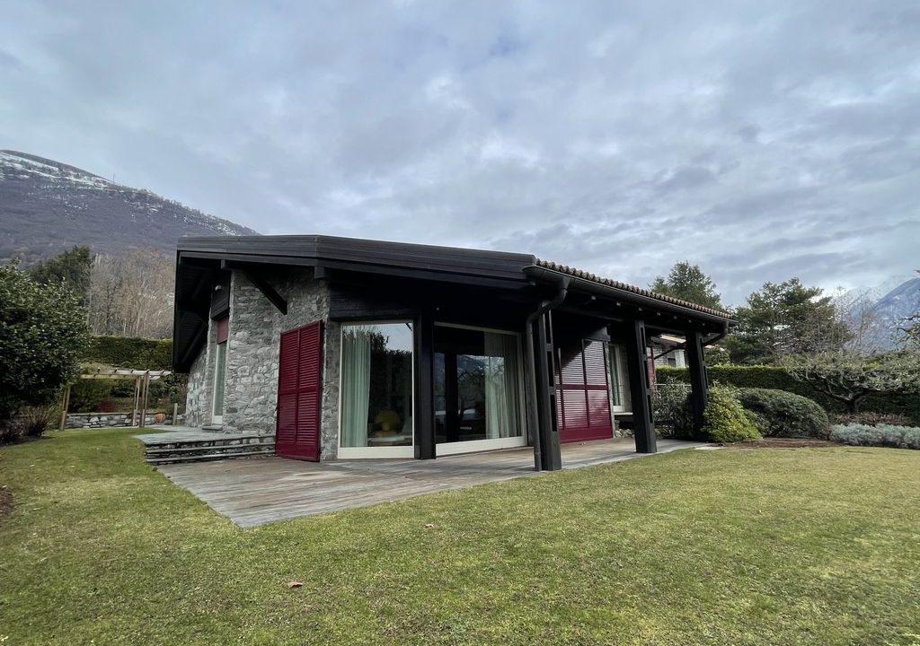 Gera Lario Comersee Villa Frontsee mit Land