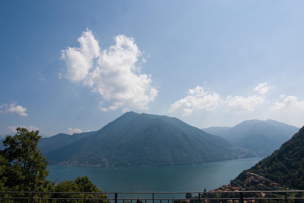 Comer See Argegno Villa mit Schwimmbad, Terrasse und Seeblick