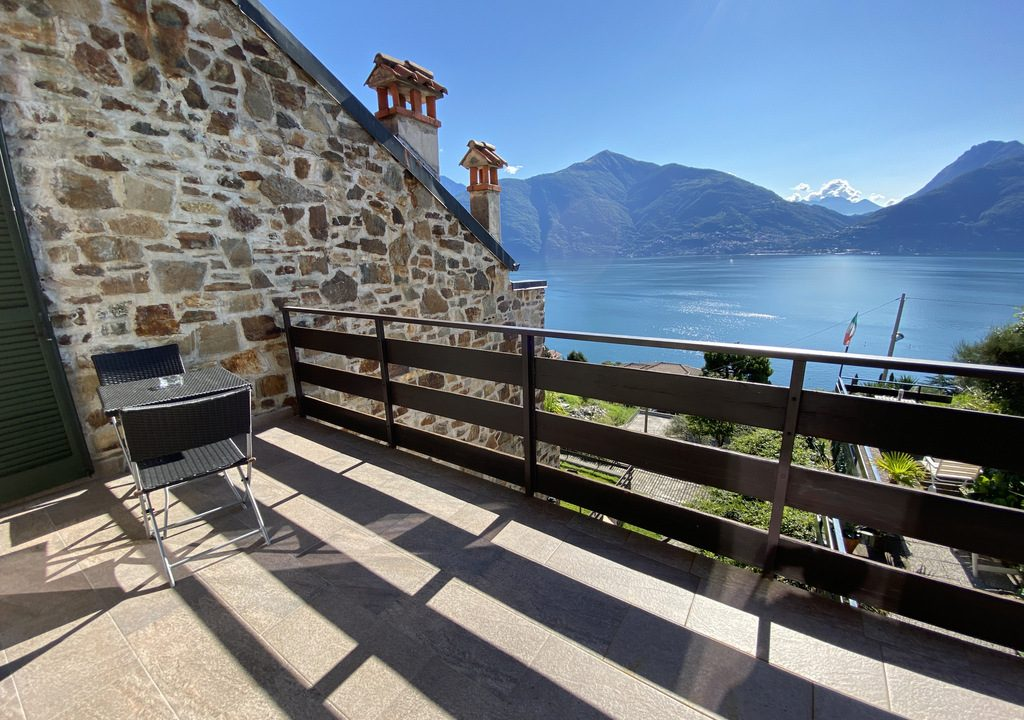 Comer See San Siro Wohnung mit Pool, Terrasse und Seeblick